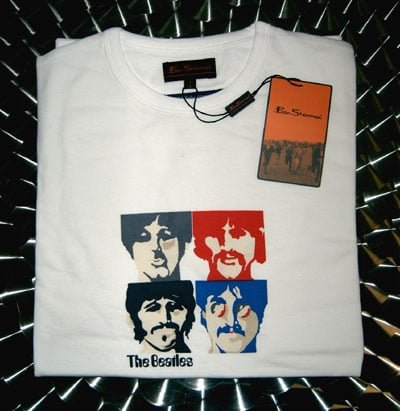 BEATLES: T-Shirt SGT. PEPPER Motiv in Weiß
