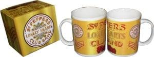BEATLES: Kaffeebecher SCHRIFTZUG SGT. PEPPER