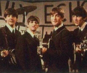 "BEATLES: Postkarte BBC ""Daily Echo"" 1964"