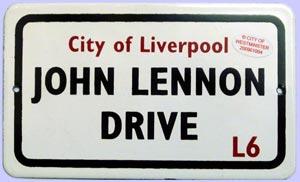 BEATLES: kleines Blechschild JOHN LENNON DRIVE L6