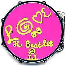 """BEATLES: Gürtelschnalle BASS DRUM """"MAGICAL MYSTERY TOUR"""" pink"""